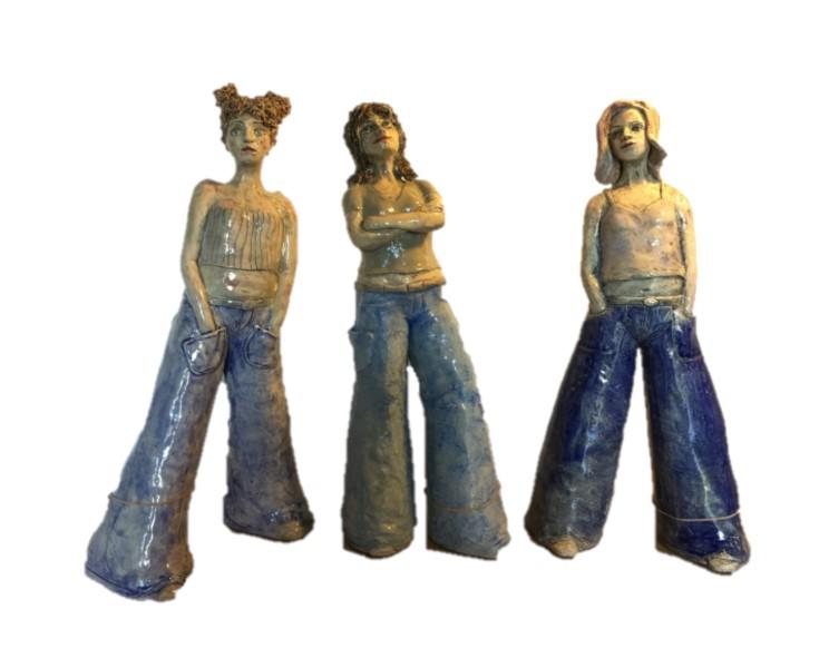 pubers met crop tops en flared (spijker)broeken